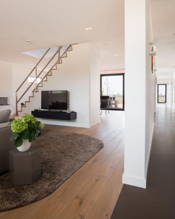 Interieurfoto van een moderne woning.