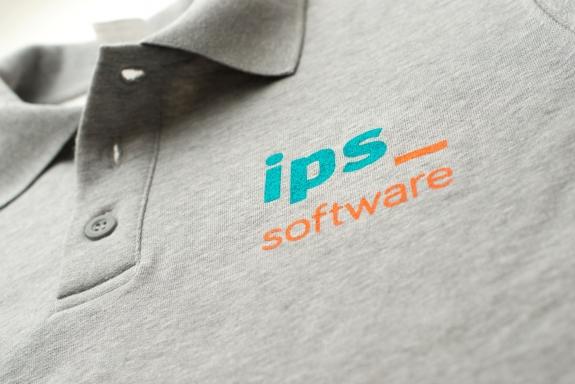 Bedrukking van een sweater voor IPS software