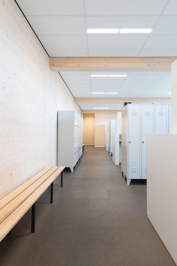 Interieurfotografie van duurzame kleedruimtes