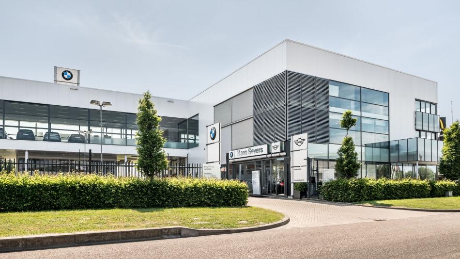 Fotografie van het bedrijfspand van BMW dealer Hans Severs