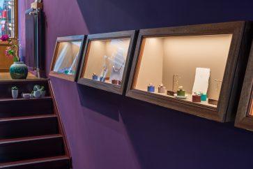 Interieurfotografie van sfeervolle vitrines
