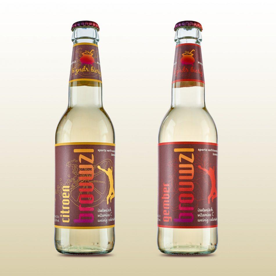 Productfoto van twee bierflesjes
